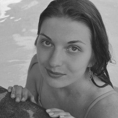 plan cul avec Enola, amatrice de pipe dépravée a Issy-les-Moulineaux