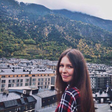 Adeline je suis sur ce site de rencontre sur Neuilly-sur-Seine car je veux rencontrer un homme de mon âge, pas trop vieux ni trop jeune non plus pour une relation constructive et durable