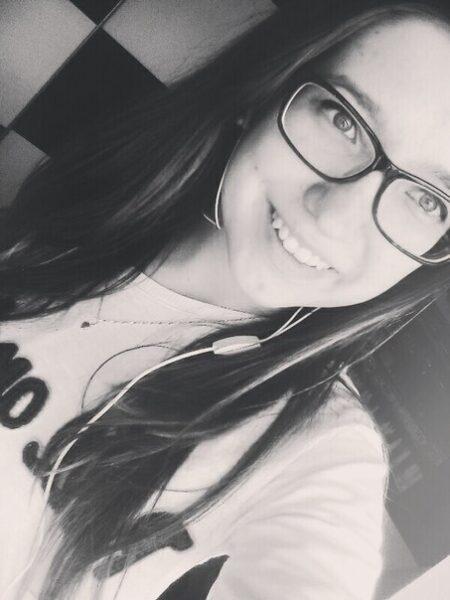 Agathe, 19 cherche rencontre en tout genre