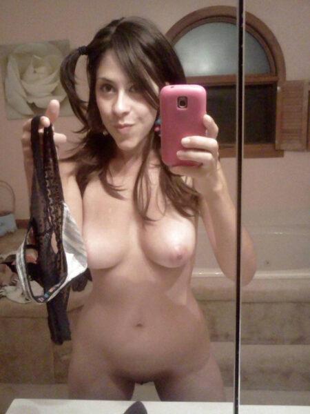 Norah, 26 cherche rendez vous discret